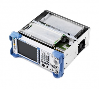 Rohde and Schwarz ESL Series EMI test receiver - inside