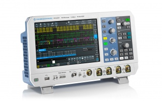 RTA4004 (RTA4000 Series) oscilloscope - angled